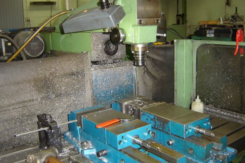 Knurling roller machine